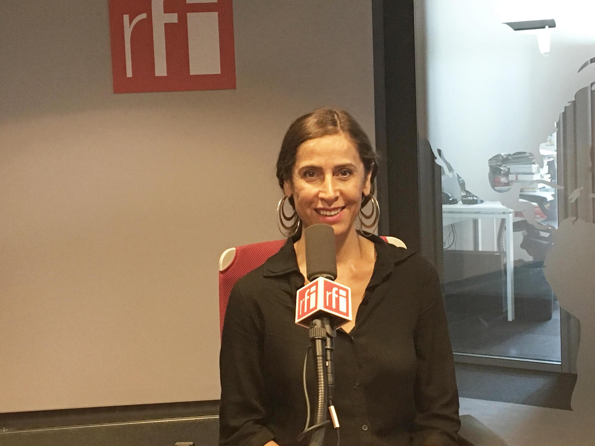 Nahal Tajadod à RFI.