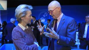 Ursula von der Leyen et Pascal Lamy, lors du Forum de Paris sur la Paix, ici le 12 novembre 2019.