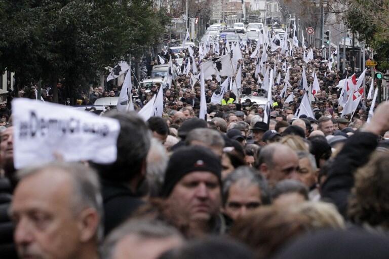 Des milliers de manifestants ont défilé dans les rues d'Ajaccio le 3 février 2018 pour demander plus d'autonomie pour la Corse.
