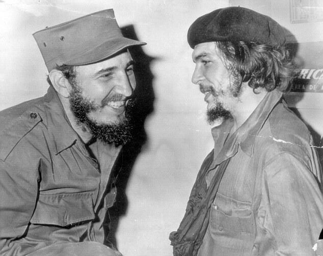 Fidel Castro et Che Guevara.