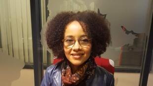 L'écrivaine anglo-nigériane Diana Evans en studio à RFI (2019).