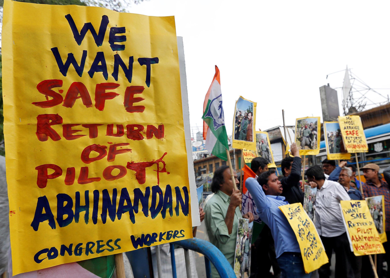 Manifestation à Calcutta, jeudi 28 février 2019, pour le libération du pilote de l'Indian Air Force capturé par le Pakistan.