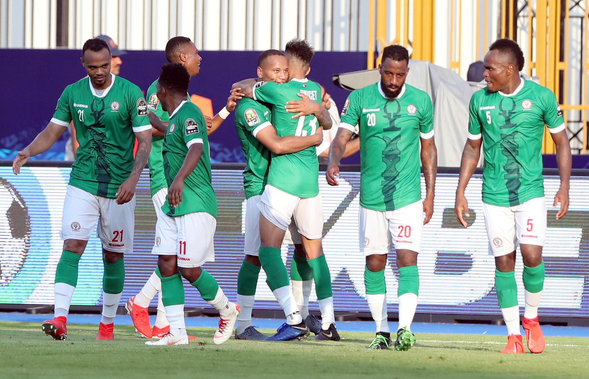 La joie des joueurs de Madagascar après leur but marqué contre le Burundi.