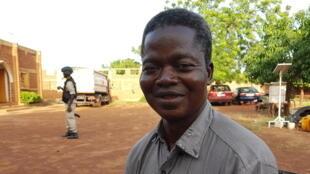 Valentin Zoungrana, apiculteur, formateur, technicien apicole, membre fondateur de l'association Wend-Puiré.