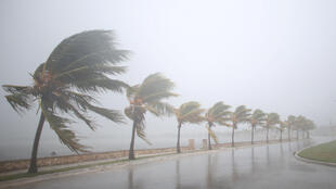 Guguwar Irma ta isa Cuba tafe da iska mai karfi da ruwan sama.