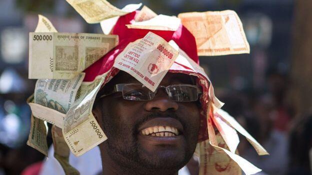 La décision des autorités zimbabwéennes de faire fonctionner la planche à billets vise à remédier au manque de liquidités.