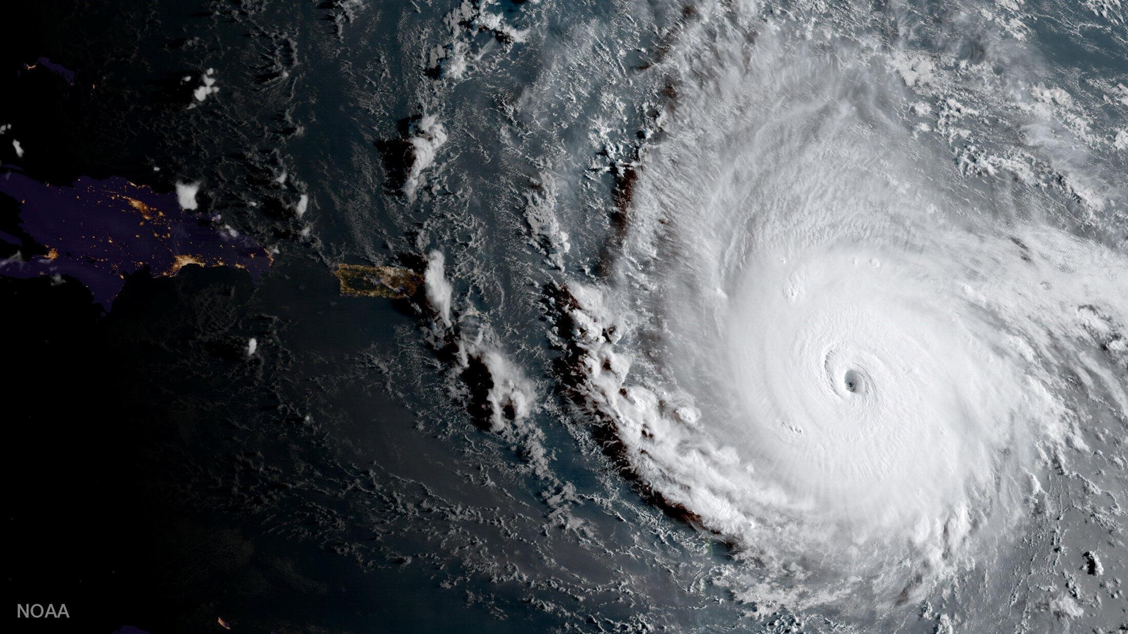 Une photo satellite de l'ouragan Irma datée du 5 septembre 2017 et d'intensité maximale (catégorie 5 selon la météo américaine). Une photo prise par  l'Agence américaine d'observation océanique et atmosphérique.