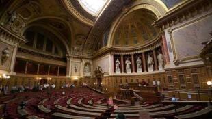 O Senado francês foi criado após a Revolução Francesa, em 1789.