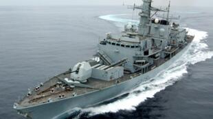 នាវាចម្បាំងអង់គ្លេស Royal Navy Type 23 HMS Montrose នៅសមុទ្ទអូម៉ង់