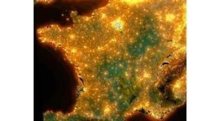 Франция вид из космоса - световое загрязнение
