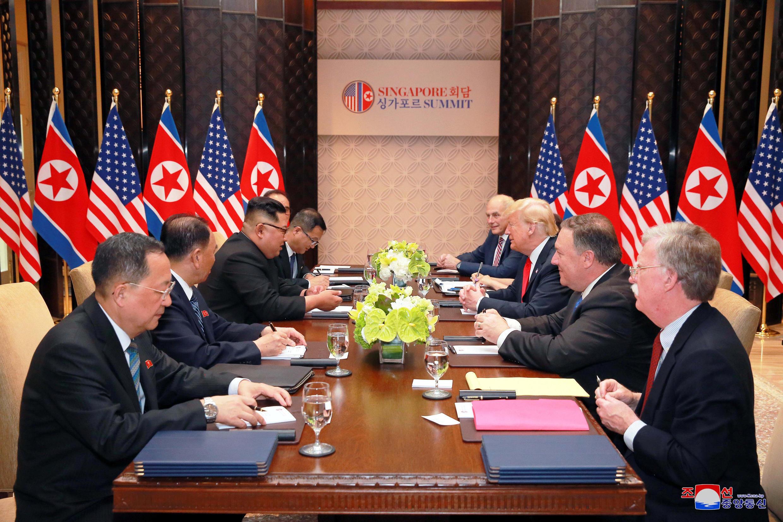 Ảnh cuộc họp thượng đỉnh Mỹ Bắc Triều Tiên lần đầu tiên tại Singapore, được KCNA công bố ngày 12/06/2018.