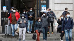 França fim da quarentena 2020-05-11T075724Z_837632386_RC27MG9DEEY8_RTRMADP_3_HEALTH-CORONAVIRUS-FRANCE-TRANSPORT