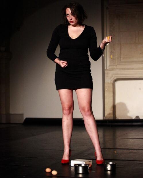 Clémentine Aubry, do coletivo Mixeratum Ergo Sum, organizadora do Festival de Teatro dos Porões de Bordeaux.