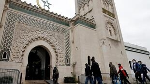 France's Muslim Council is divided over the charter