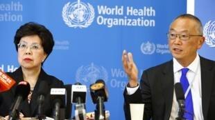 A diretora-geral da OMS, Margaret Chan, e diretor-geral-assistente, Keiji Fukuda durante reunião da OMS em 8 de agosto de 2014 declararam por unanimidade que a atual crise do vírus ebola, a mais grave nas últimas quatro décadas