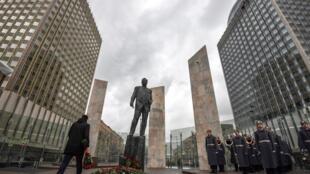 រូបសំណាកឧទ្ទិសដល់វិញ្ញាណក្ខន្ធ ឥស្សរជនរដ្ឋរុស្ស៊ីសែនល្បីល្បាញ លោក Evgueni Primakov រំលឹកទិវាខួបកំណើត ទី៩០។