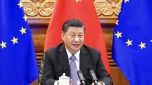 图为出席2020年12月30日中欧峰会的中国国家主席习近平,此次峰会双方达成『欧中投资协议』,但近日这一协定被欧洲议会冻结。