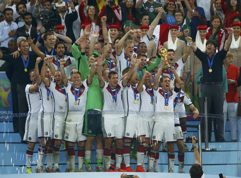 A seleção alemã tetracampeã do mundo no Maracanã, neste domingo (13).