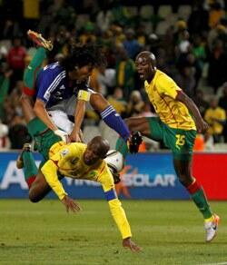 A l'image de Samuel Eto'o et Achille Webo, le Cameroun n'a pas été à la fête contre le Japon.