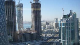 Vue des nombreux chantiers de la ville de Doha.