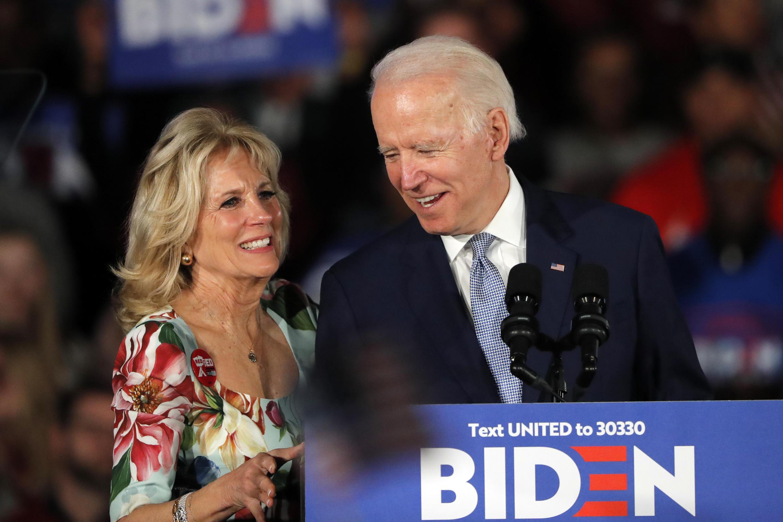 Jill Biden avisou que mesmo se o marido for eleito presidente dos Estados Unidos, ela pretende manter seu emprego de professora.