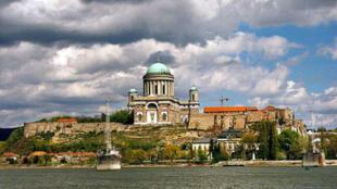 La basilique d'Esztergom, siège du primat catholique de Hongrie.