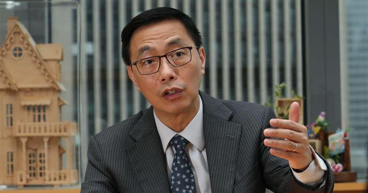 香港教育局局长杨润雄资料图片