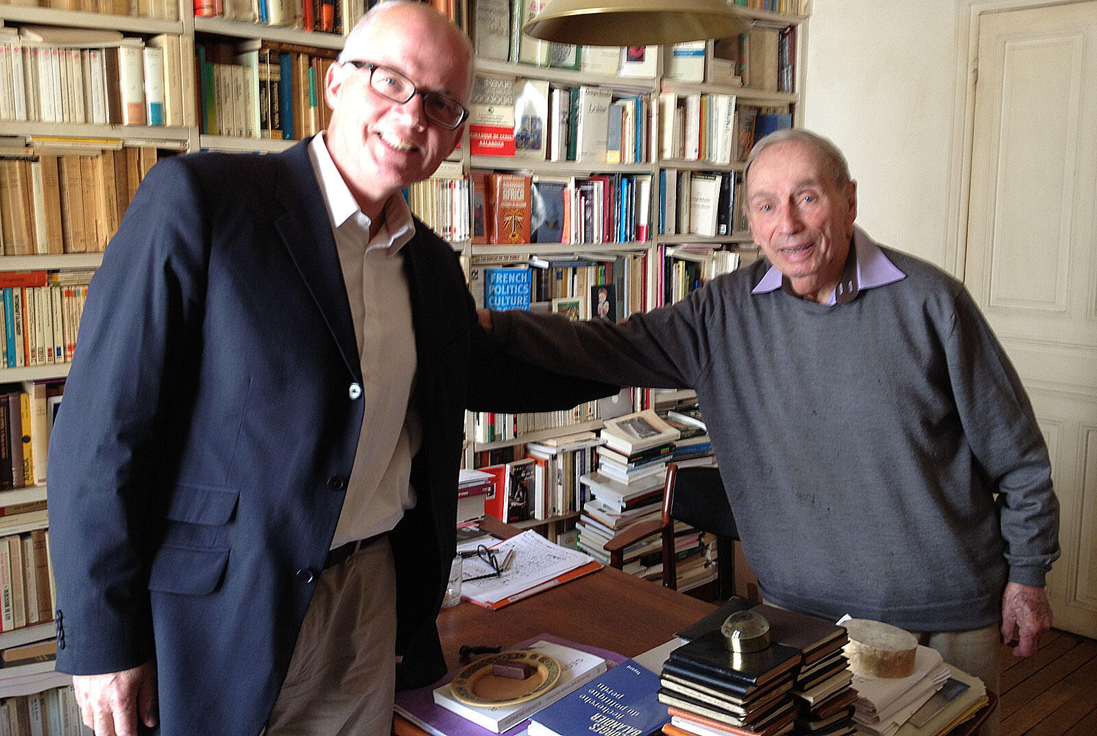 De g. à d. : Pierre-Edouard Deldique et Georges Balandier.