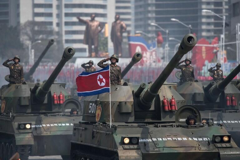 رژه بزرگ نظامی در پیونگ یانگ