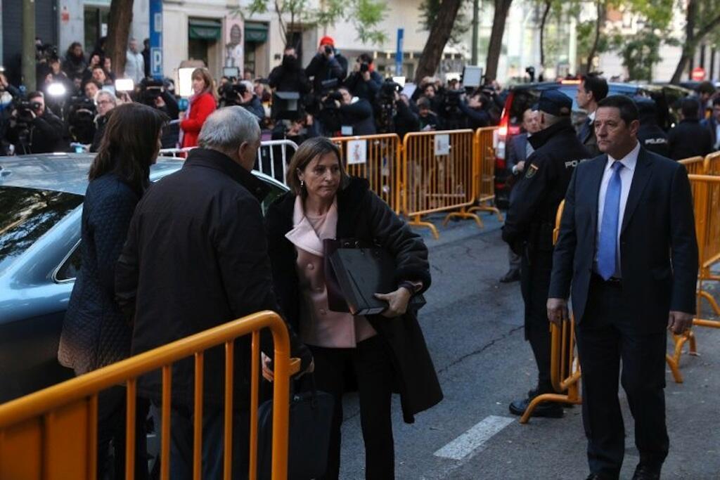 Spika wa bunge la Catalonia, Carme Forcadell, aliwasili katika Mahakama Kuu ya Madrid tarehe 9 Novemba 2017.