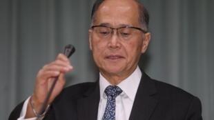 台湾外交部高层官员证实圣多美普林西比与中华民国在21日凌晨断交,外交部第一时间向府院报告,并展开危机处理。外交部长李大维(图)上午9时召开记者会正式对外说明。