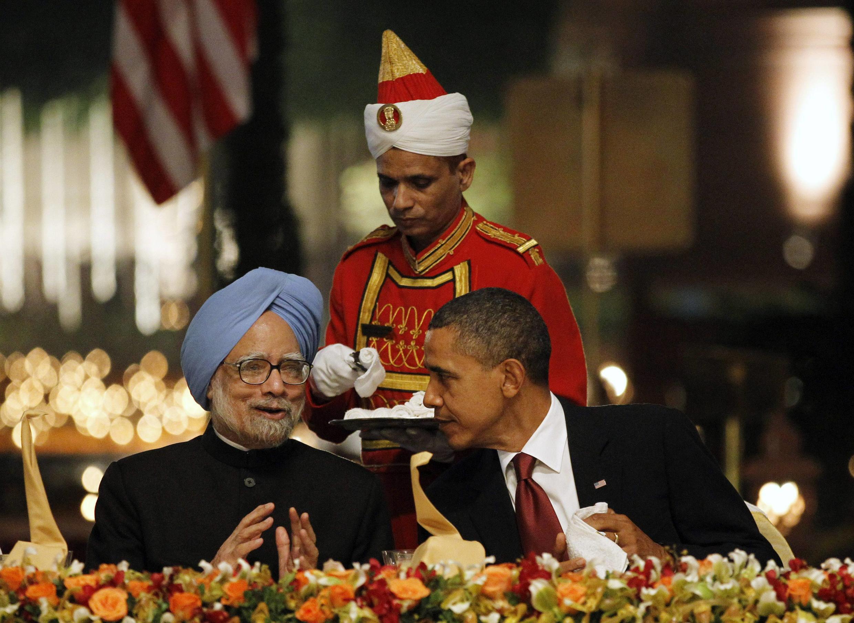 លោកនាយករដ្ឋមន្ត្រីឥណ្ឌា Manmohan Singh,និង លោកប្រធានាធិបតីអាមេរិកអូបាម៉ា នៅថ្ងៃទី៨វិច្ឆិកាឆ្នាំ២០១០