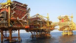 Một giàn khoan dầu của tập đoàn Ấn Độ ONGC ( ảnh: en.wikipedia.org)