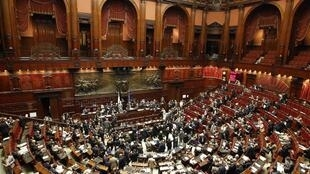 O Parlamento italiano vota, nesta quarta-feira , uma moção de confiança ao plano de austeridade apresentado pelo Governo