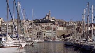 Vista para o porto de Marselha.
