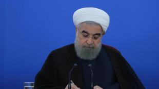 """حسن روحانی در نامهای به نخستوزیر پاکستان به """"تکرار تعرضات به خاک ایران"""" اعتراض کرد"""
