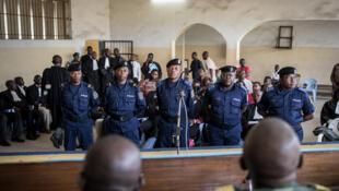La ministère public a requis la prison à perpétuité contre les cinq prévenus accusés du meurtre du militant Floribert Chebeya et son chauffeur, en 2010.