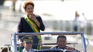 La présidente Dilma Rousseff, lors de la cérémonie commémorant l'indépendance du Brésil, à Brasilia, le 7 septembre 2014.