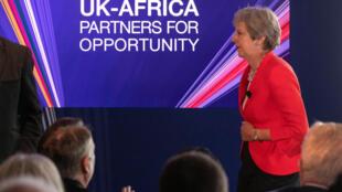 Theresa May busca parcerias comerciais com países africanos
