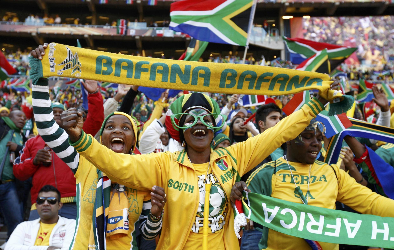 Cổ động viên Nam Phi trước giờ khai mạc Cúp Bóng Đá Thế Giới 2010