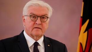 فرانک والتر اشتاین مایر، رئیس جمهوری آلمان، پیش از مذاکره با آنگلا مرکل، تجدید انتخابات را رد کرد