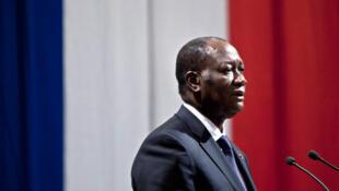Alassane Ouattara, à la mairie de Paris, le 27 janvier 2012.