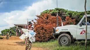 Campagne de vaccination à Banga (RDC) en 2015.