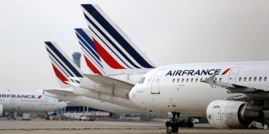 پیشبینی میشود تمامی پروازهای روز پنجشنبه ایرفرانس از مبدا فرودگاه شارل دوگل در پاریس با تاخیر روبرو شوند.