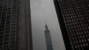 图为台湾台北101摩天大楼