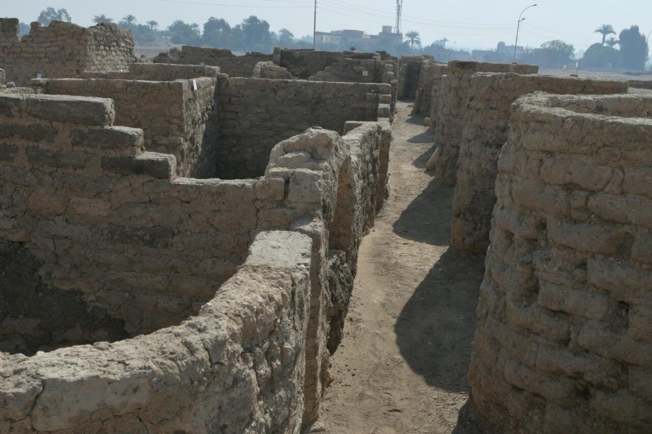 """埃及尼羅河西岸盧克索附近最新發現的古埃及城池遺址:""""失落的黃金城市""""。"""