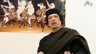 Muamar Kadafi en la televisión libia