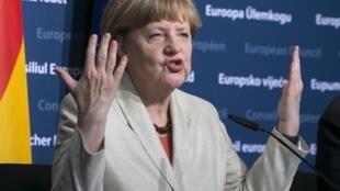 Angela Merkel teria sido avisada duas vezes da espionagem.