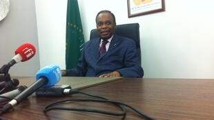 Edem Kodjo lors d'une conférence de presse à Kinshasa, le 14 juin 2016.