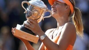 A russa Maria Sharapova conquistou neste sábado (7) o torneio feminino de Roland Garros.
